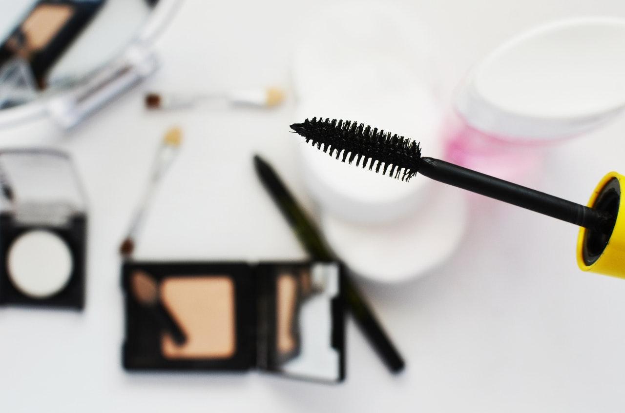 beauty-cosmetics-eye